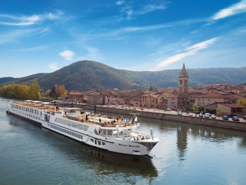 uniworld boutique river cruises ship