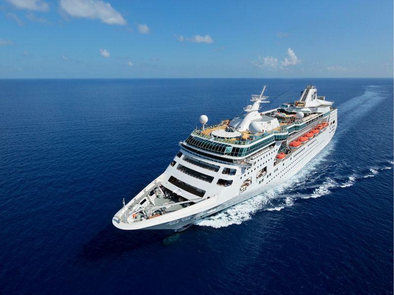 Aerial-Ship-Shot-03_Empress-of-the-Seas_Royal-Caribbean-International
