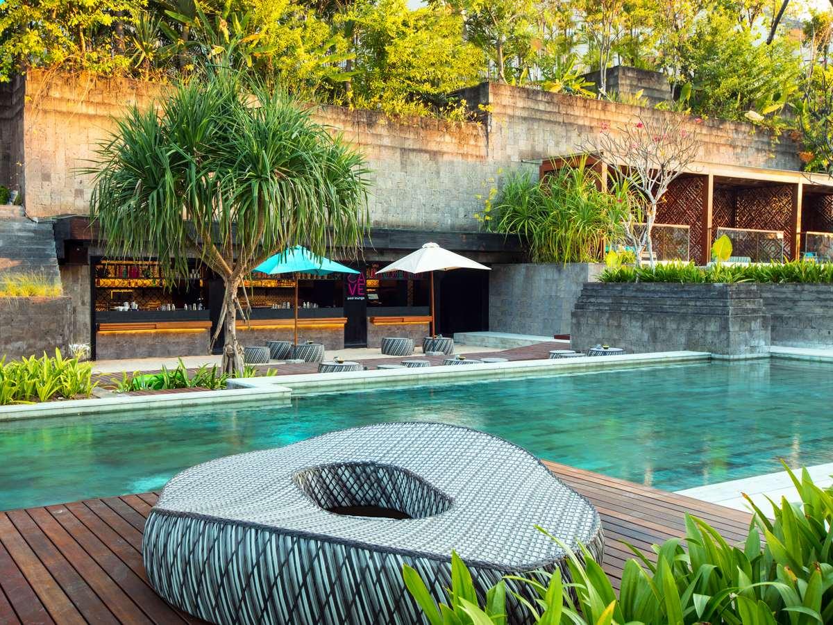 Hotel Indigo Bali Seminyak Gallery Image - Cave Pool Lounge