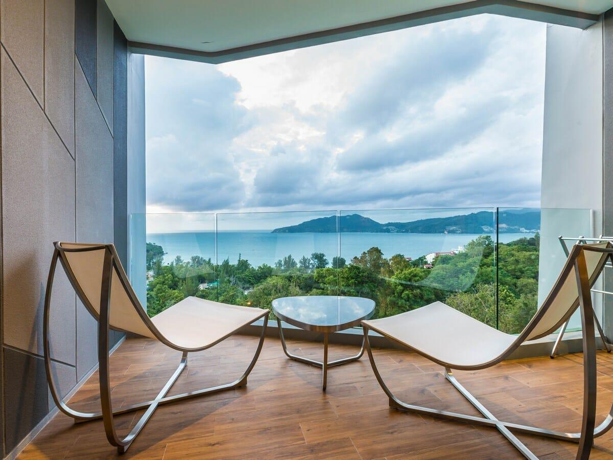 Crest Resort & Pool Villas - Deluxe Sea View Room