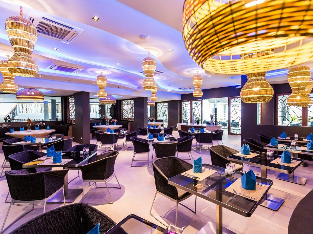 Crest Resort & Pool Villas - Atmos Restaurant