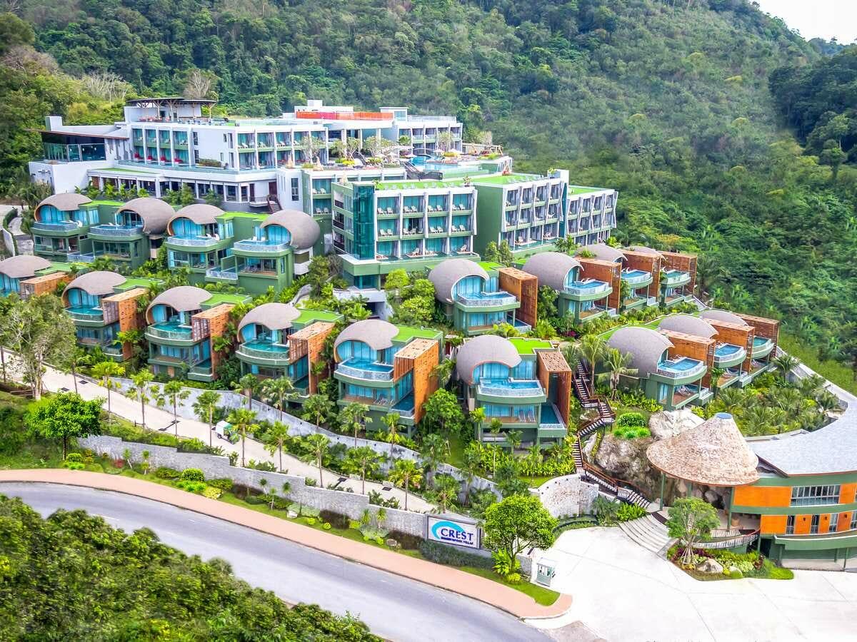 Crest Resort & Pool Villas - Hotel Exterior