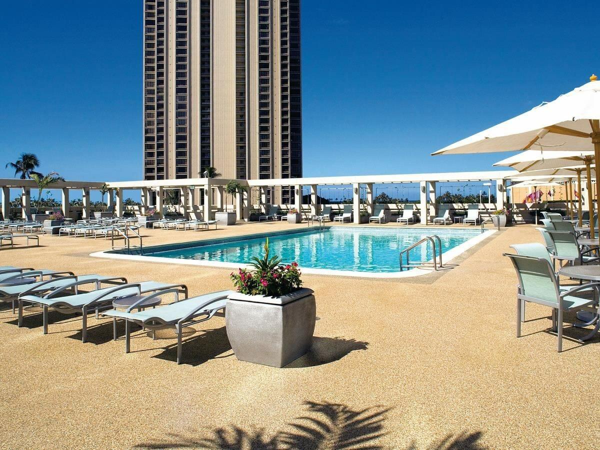 Ala Moana Hotel Gallery Image of Swimming Pool