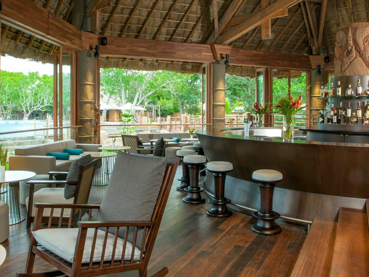 Sheraton New Caledonia Deva Spa & Golf Resort Gallery Image of Creek Bar