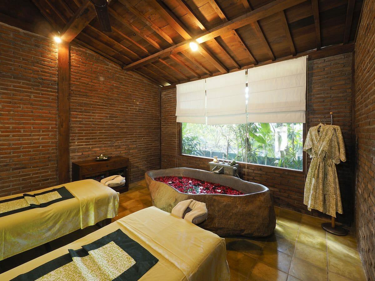 Plataran Canggu Resort & Spa Gallery Image of the Spa Treatment Room