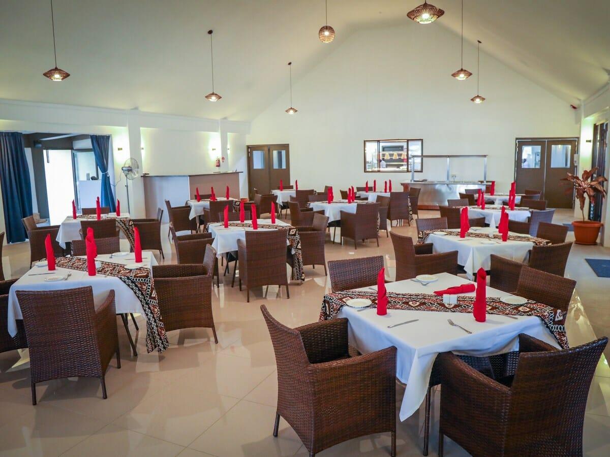 Fiji Hideaway Resort & Spa Vuda Gallery Image of restaurant