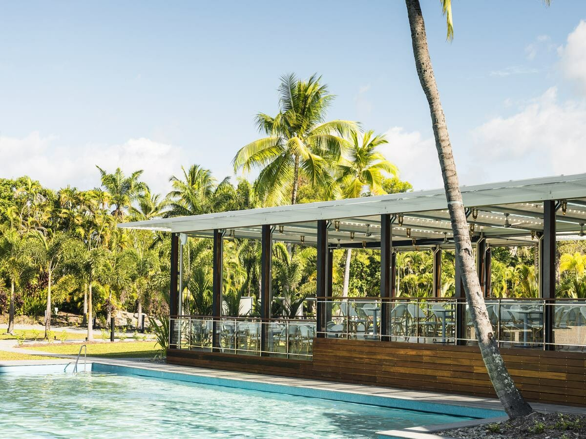 Sheraton Grand Mirage Port Douglas Gallery Image of Restaurant by the pool