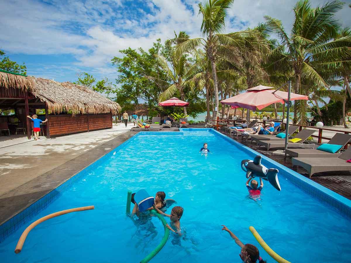 aquana-pool