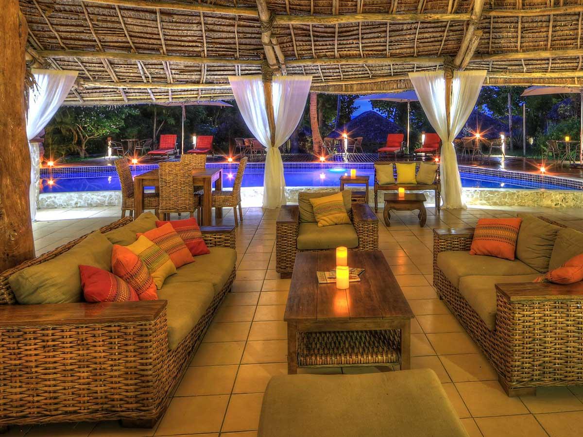 coco-beach-lounge