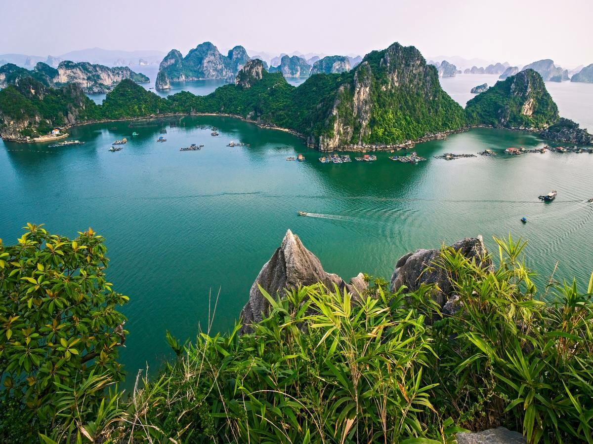 halong bay vietnam gallery image