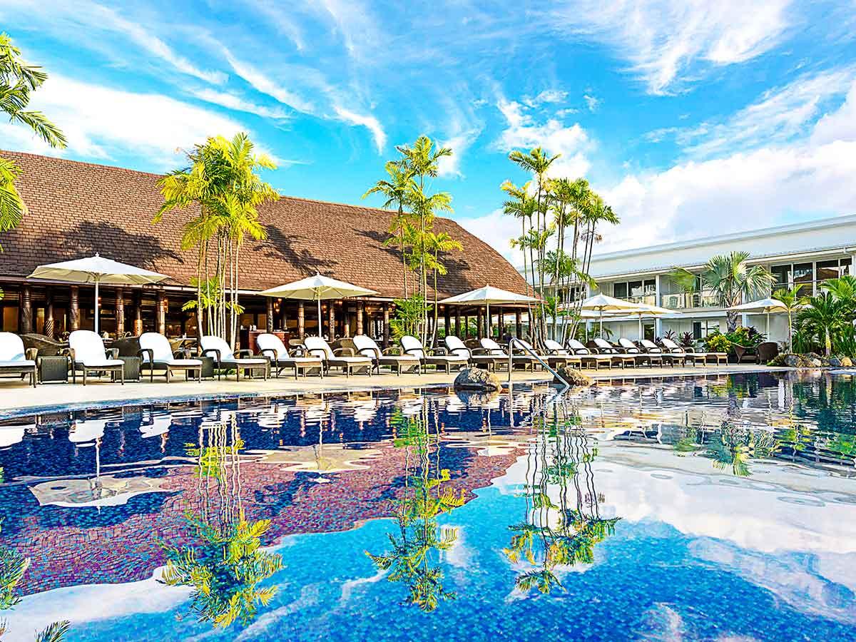 Sheraton-Samoa-Aggie-Grey's-pool