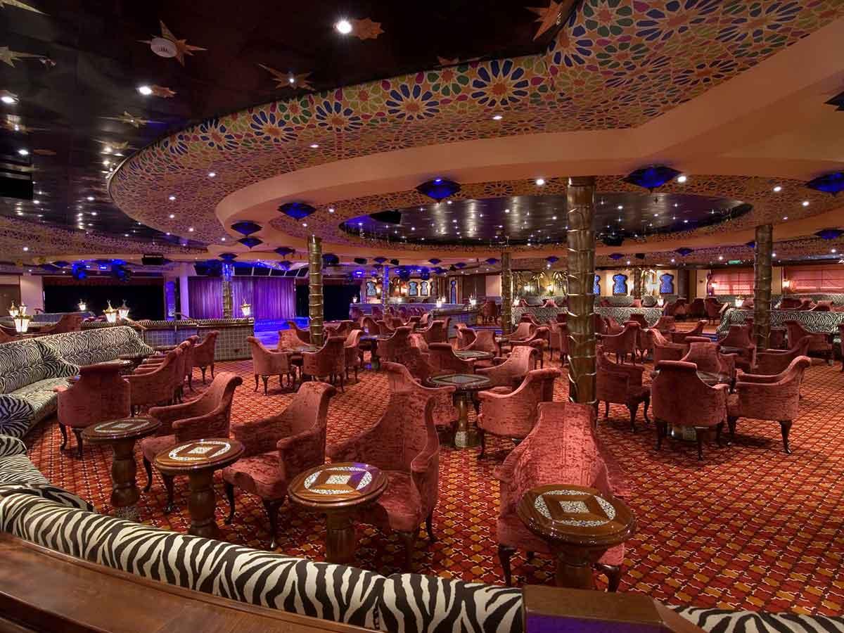carnival-splendour-lounge