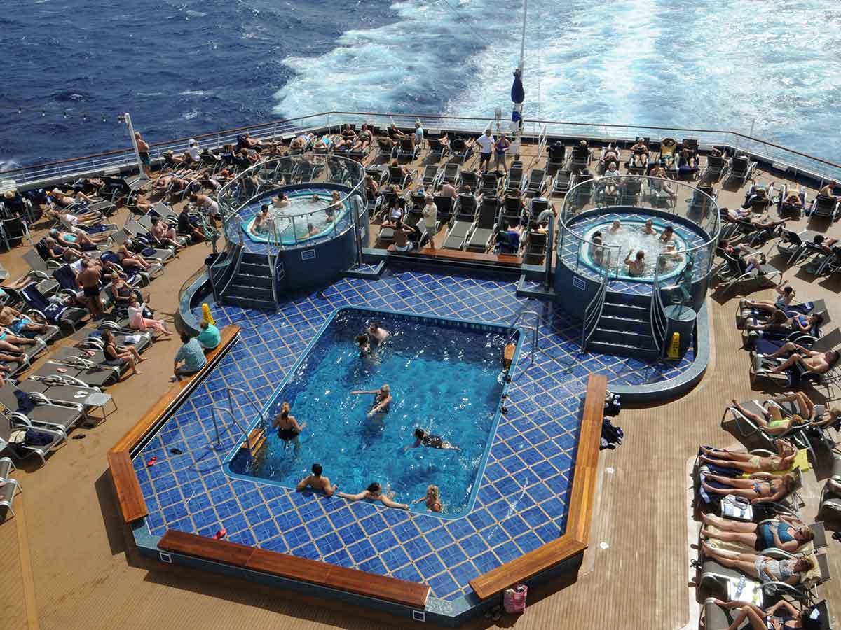 carnival-splendour-deck