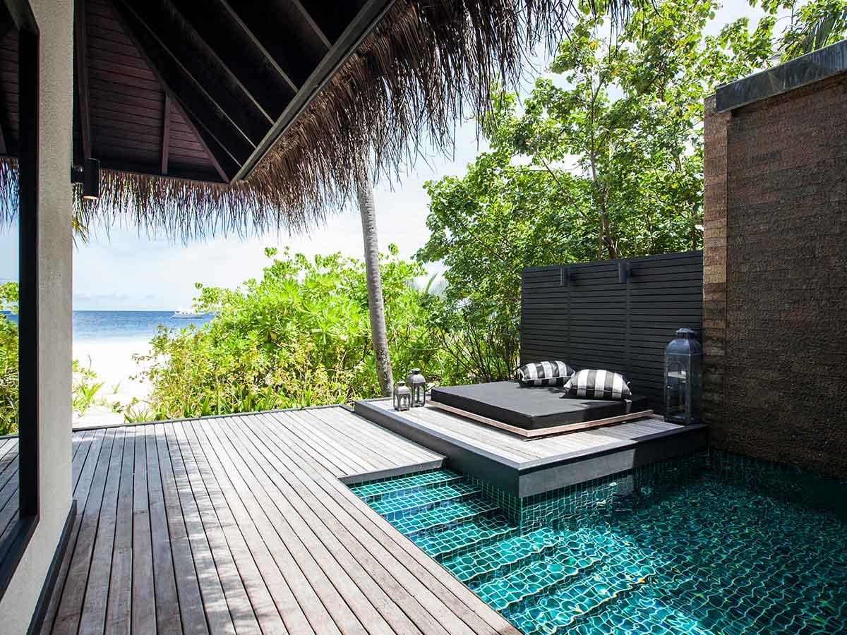 outrigger-konotta-beach-villa-pool