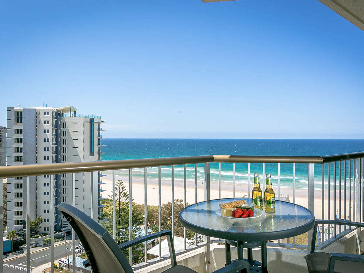 surfers-beachside-balcony