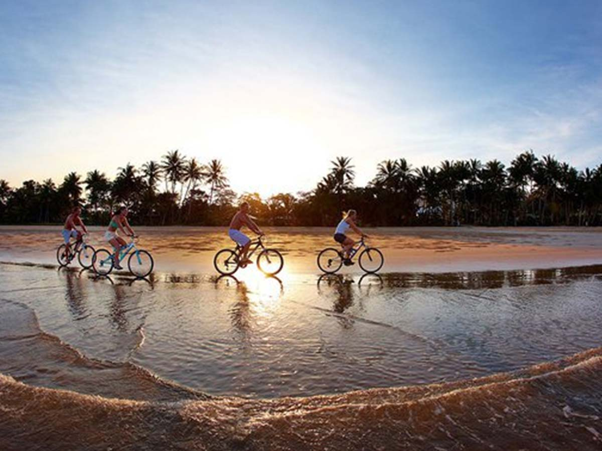 Castaways-Resort-Spa-bikes