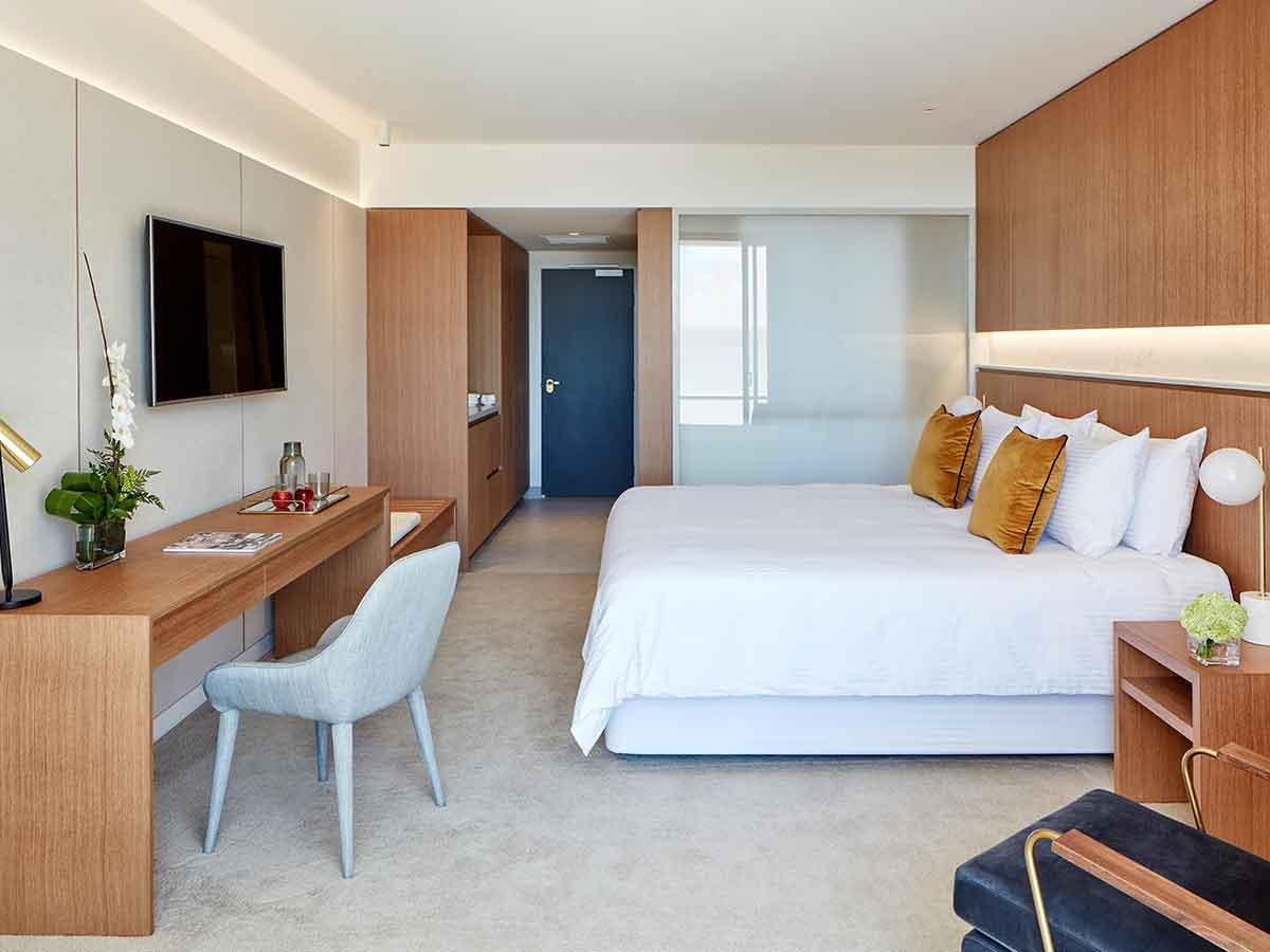 riley-crystalbrook-resort-room