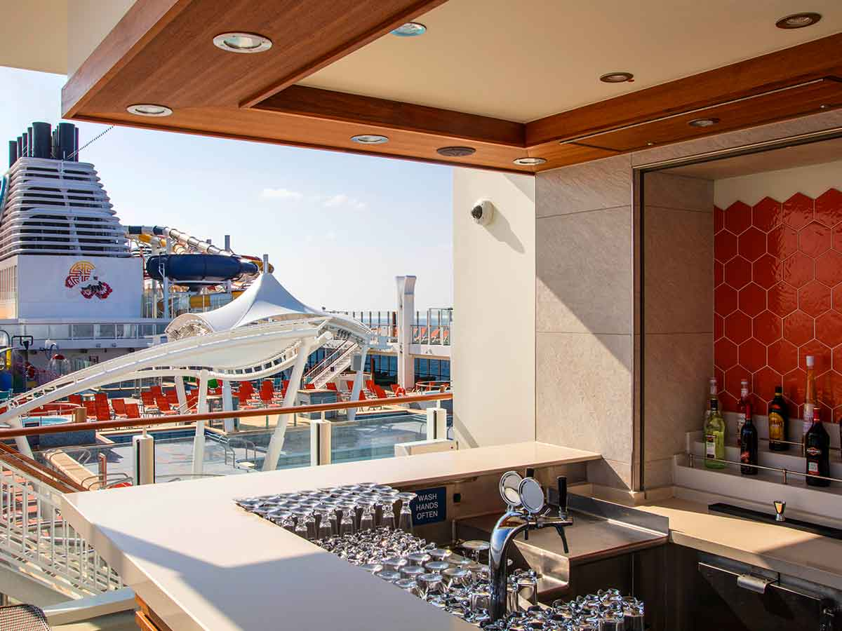 Genting-Dream-sun-deck
