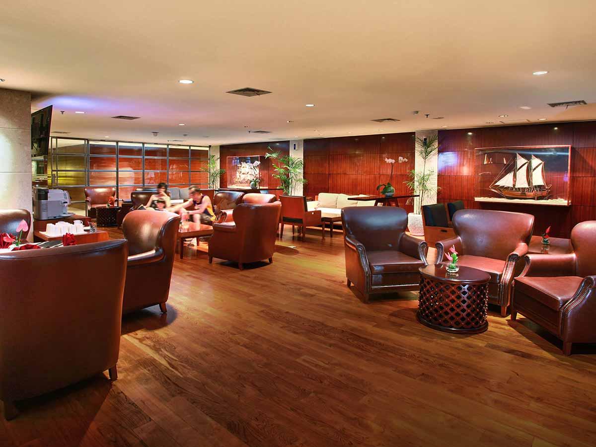 The-Kuta-Beach-Heritage-Hotel-lounge