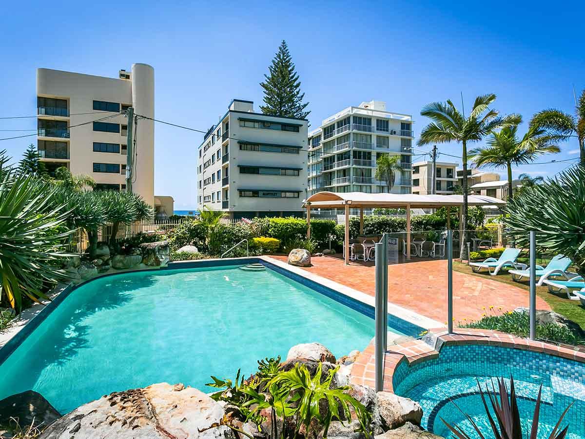 surfers-beachside-pool-2