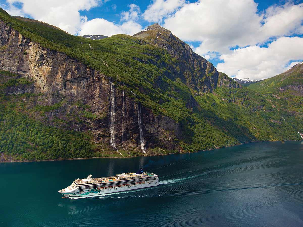 Norwegian-Jade-aerial