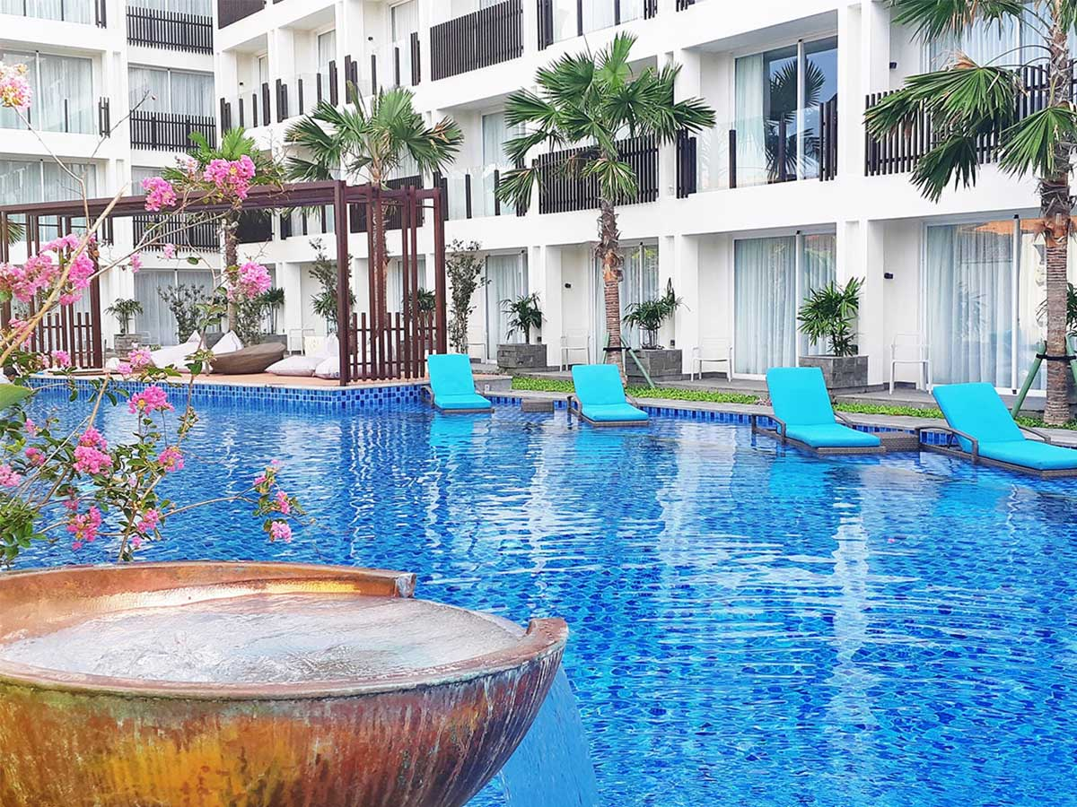 Fairfield-by-Marriott-Bali-Legian-pool