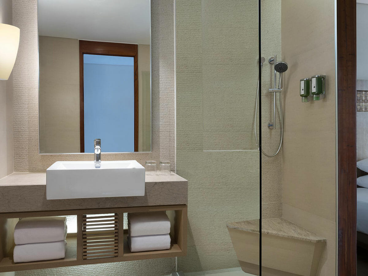 Fairfield-by-Marriott-Bali-Legian-bathroom