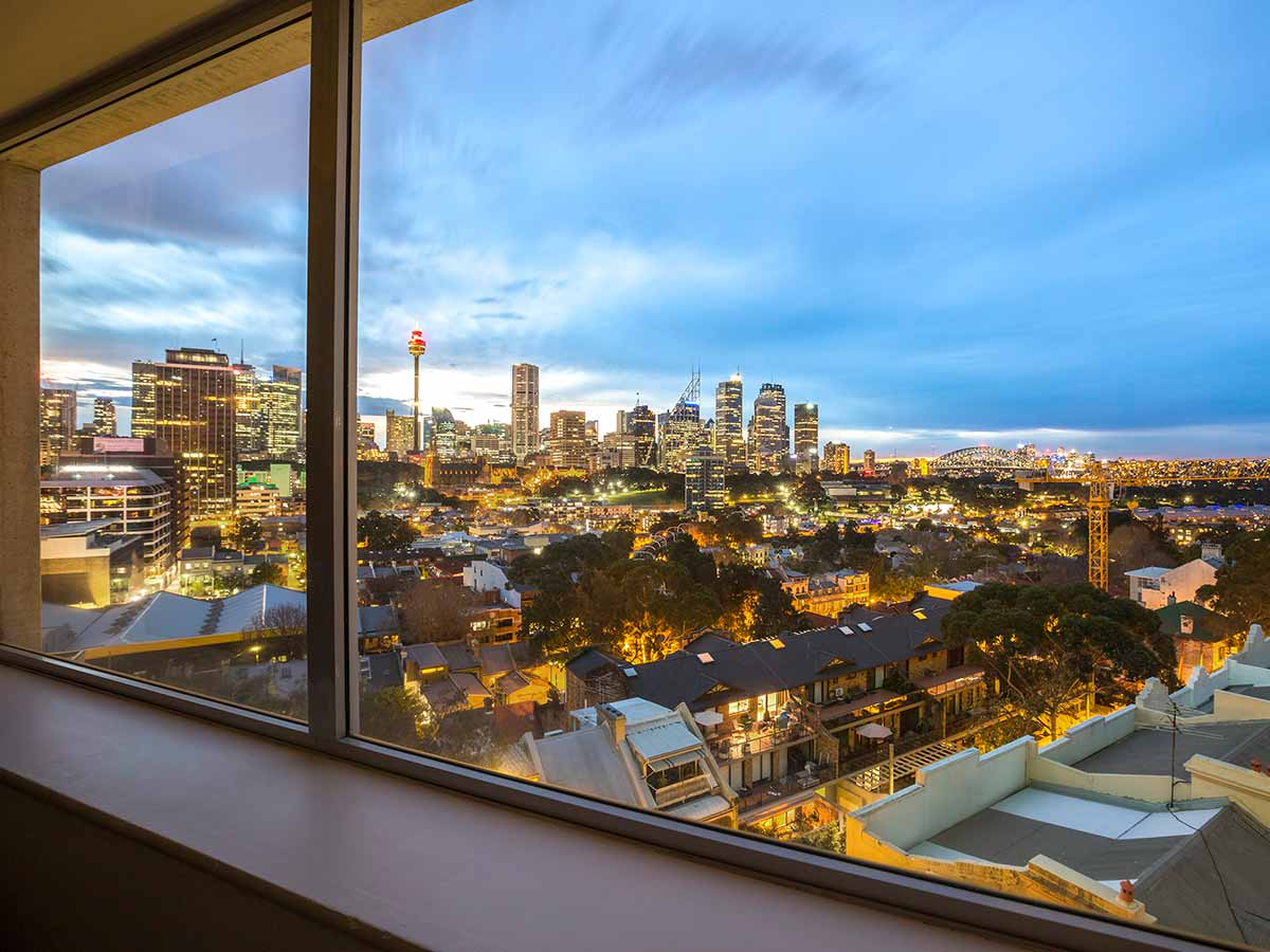Holiday-Inn-Potts-Point-Harbour-View-Room-View