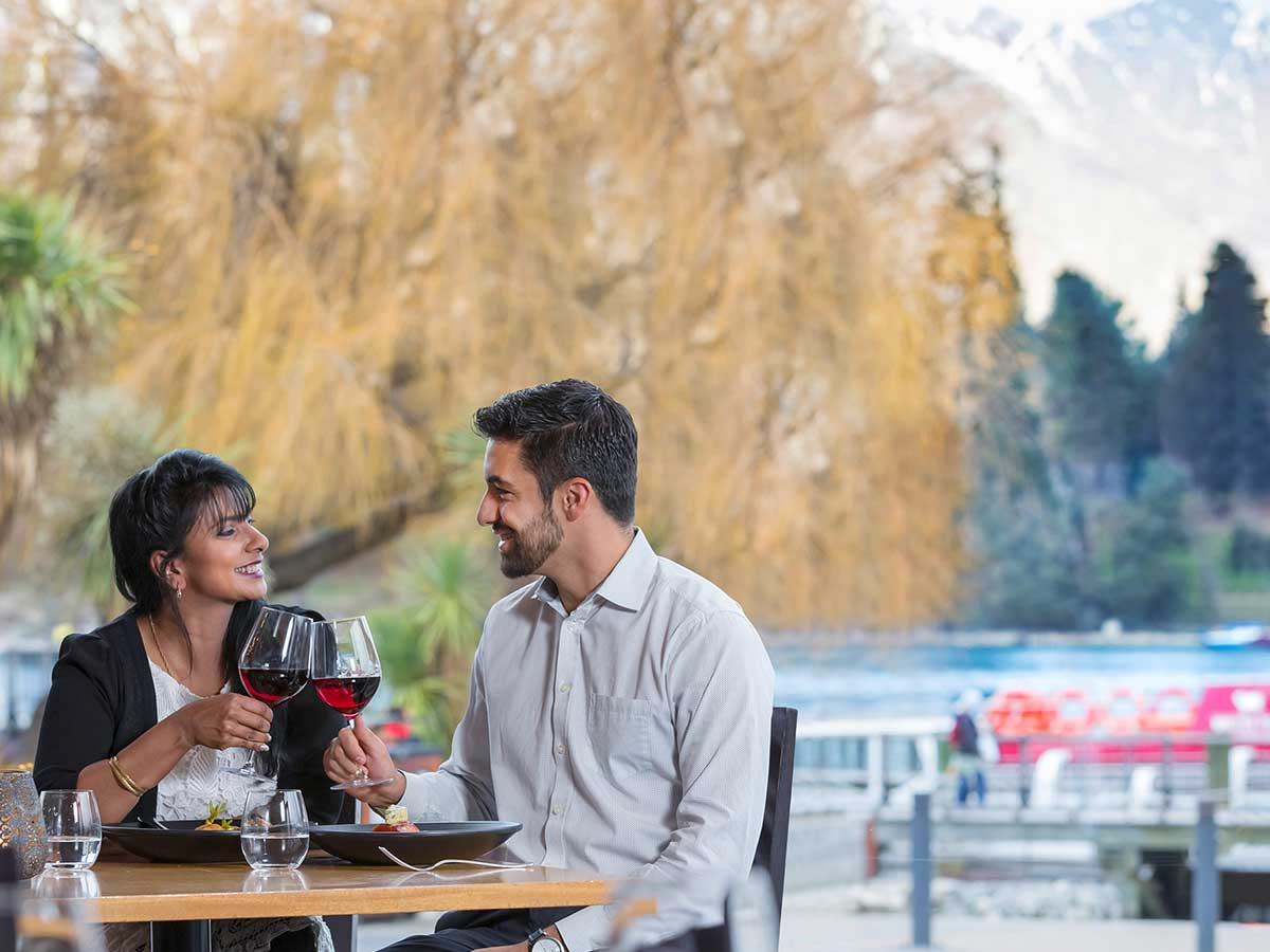 Crowne-Plaza-Queenstown-dining