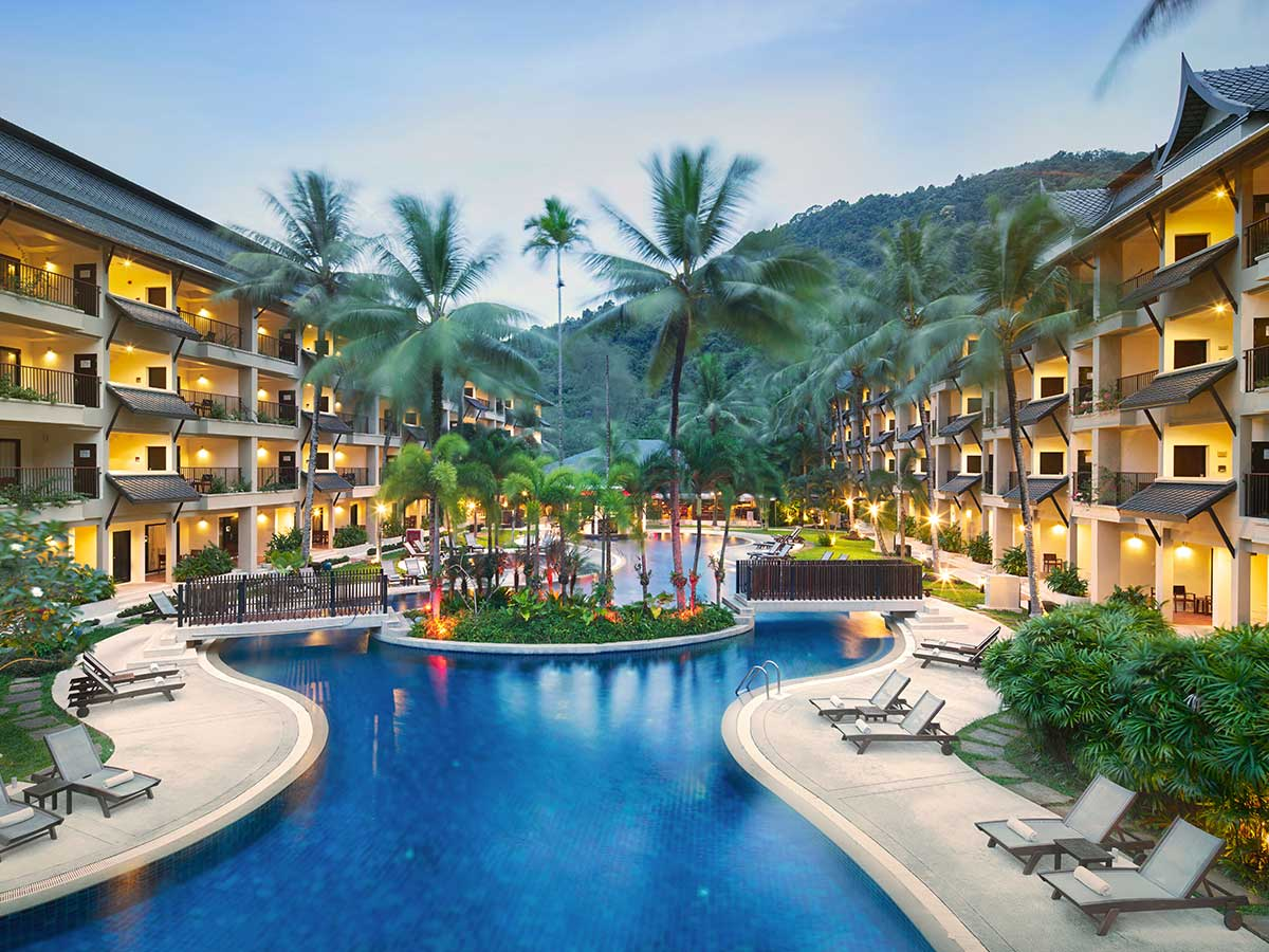 Swissotel-Resort-Phuket-Kamala-Beach-pool