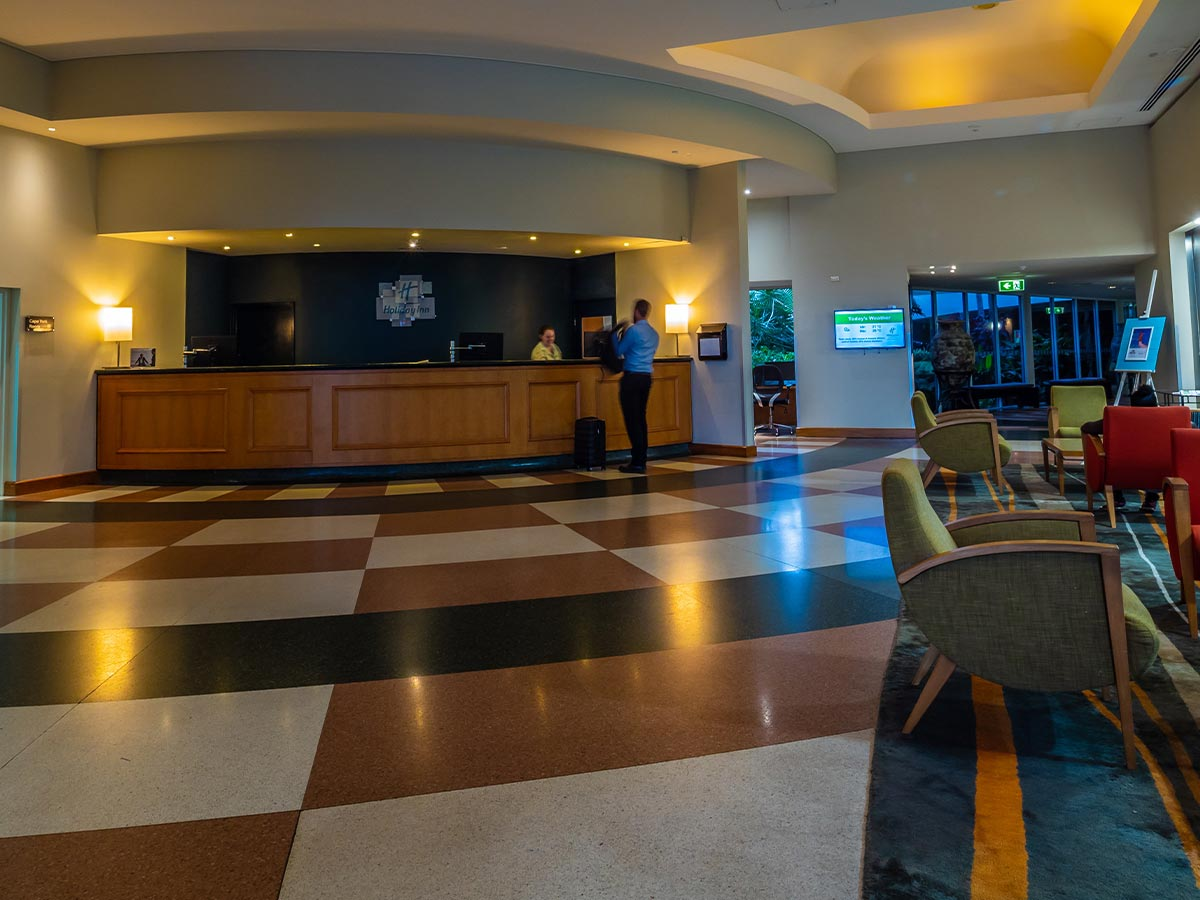 Holiday-Inn-Cairns-Harbourside-lobby