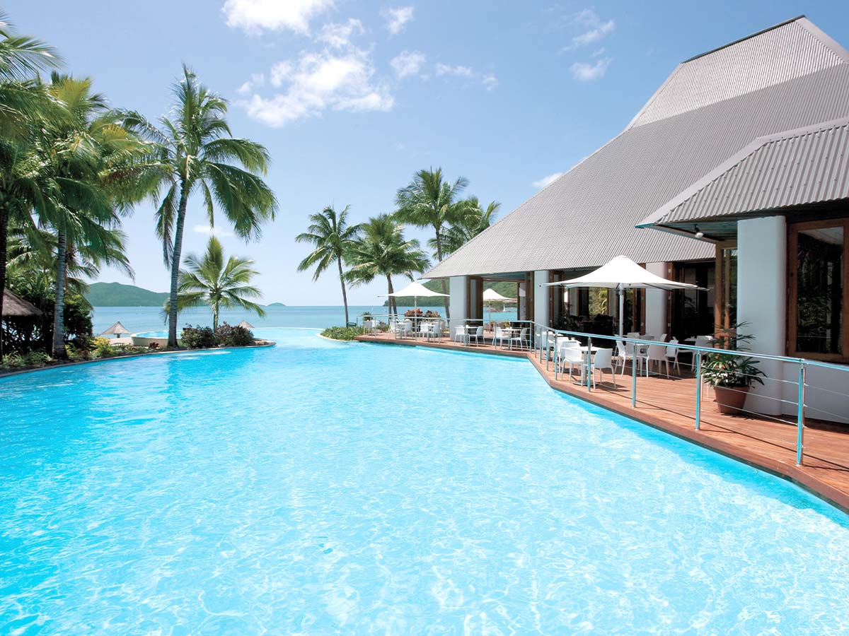 Reef-View-Hotel-Hamilton-Island-pool
