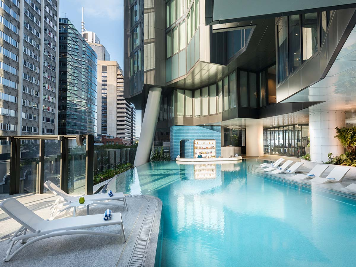 The-Westin-Brisbane-nautilus-pool-bar