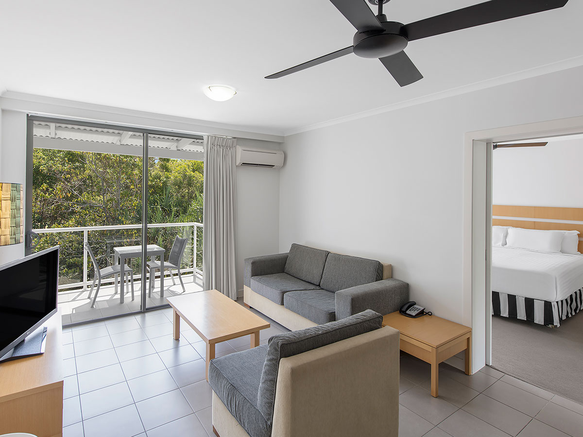 Oaks-Resort-Port-Douglas-2-bedroom-garden-view