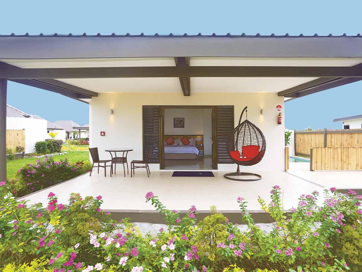 Fiji-Hideaway-Resort-Spa-Vuda-Room-Type-Beachfront-Bure