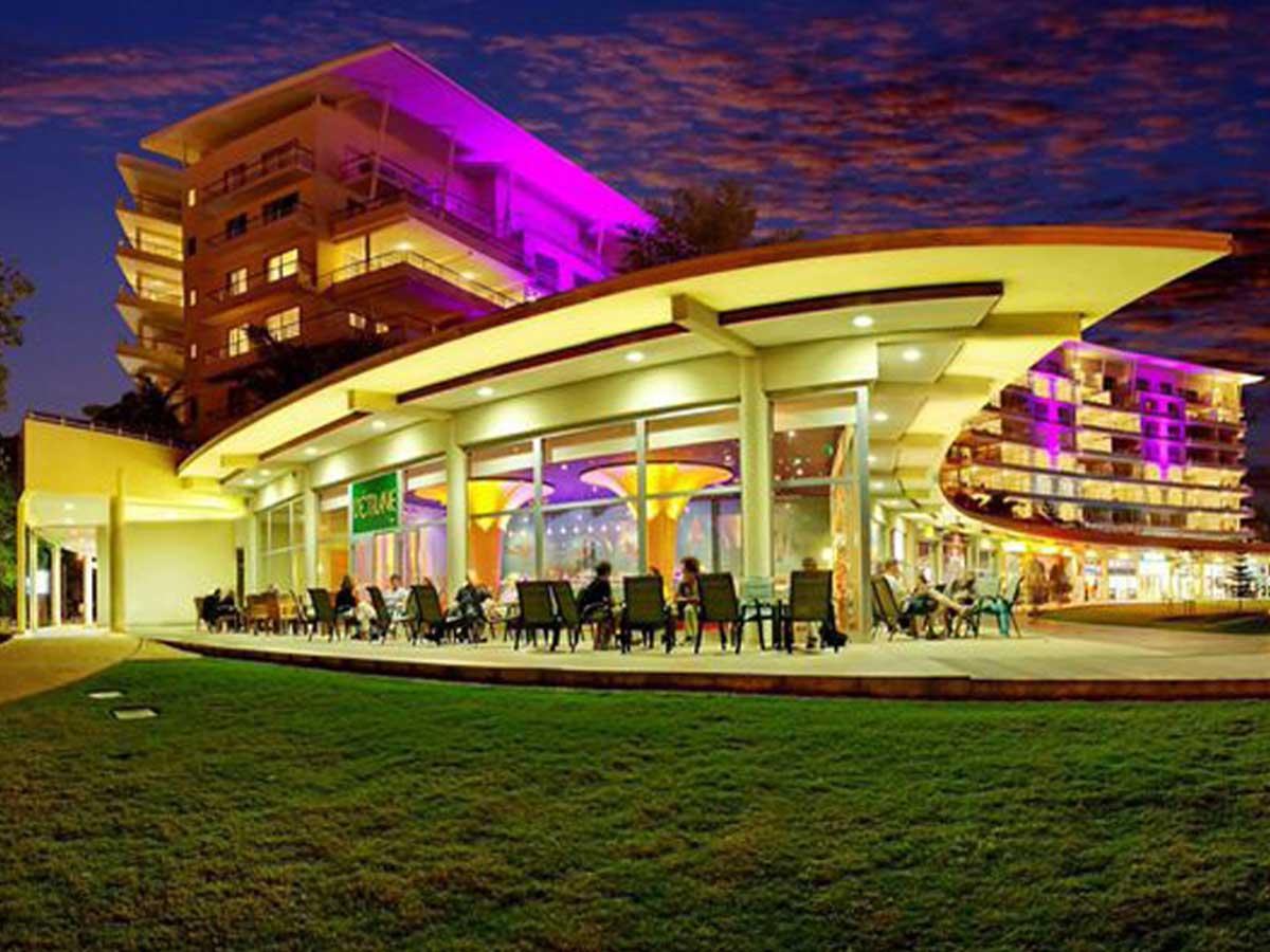 Hilton-Residences-Noumea-night