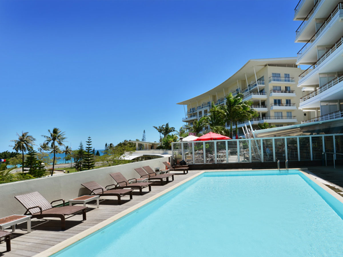 Hilton-Residences-Noumea-pool