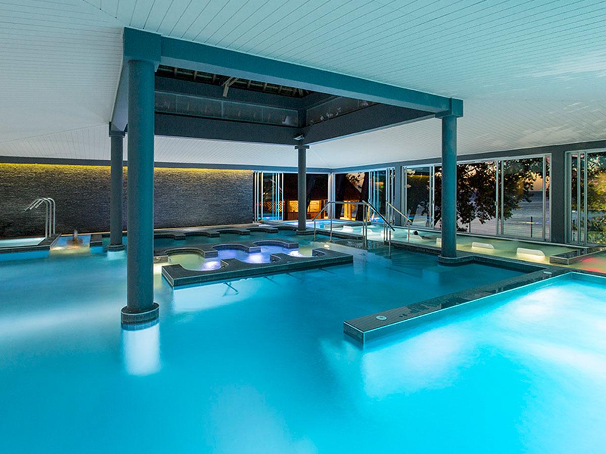 Chateau-Royal-aquatonic-pool