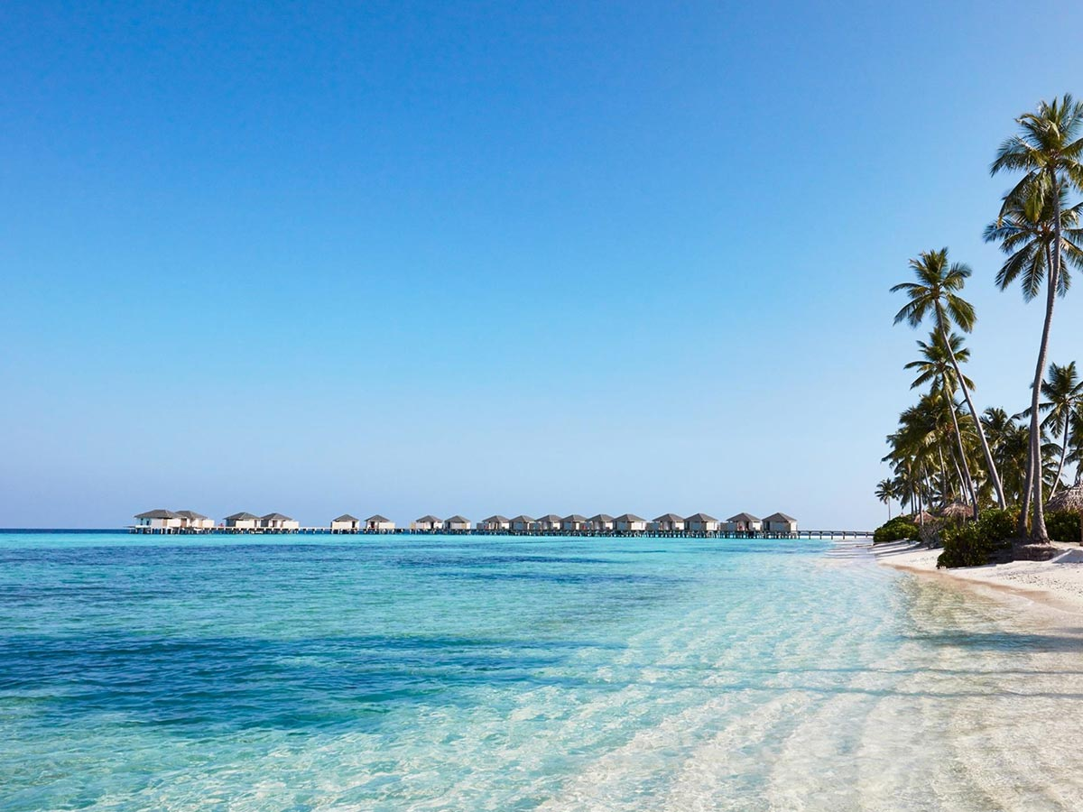 Amari-Havodda-Maldives-beach