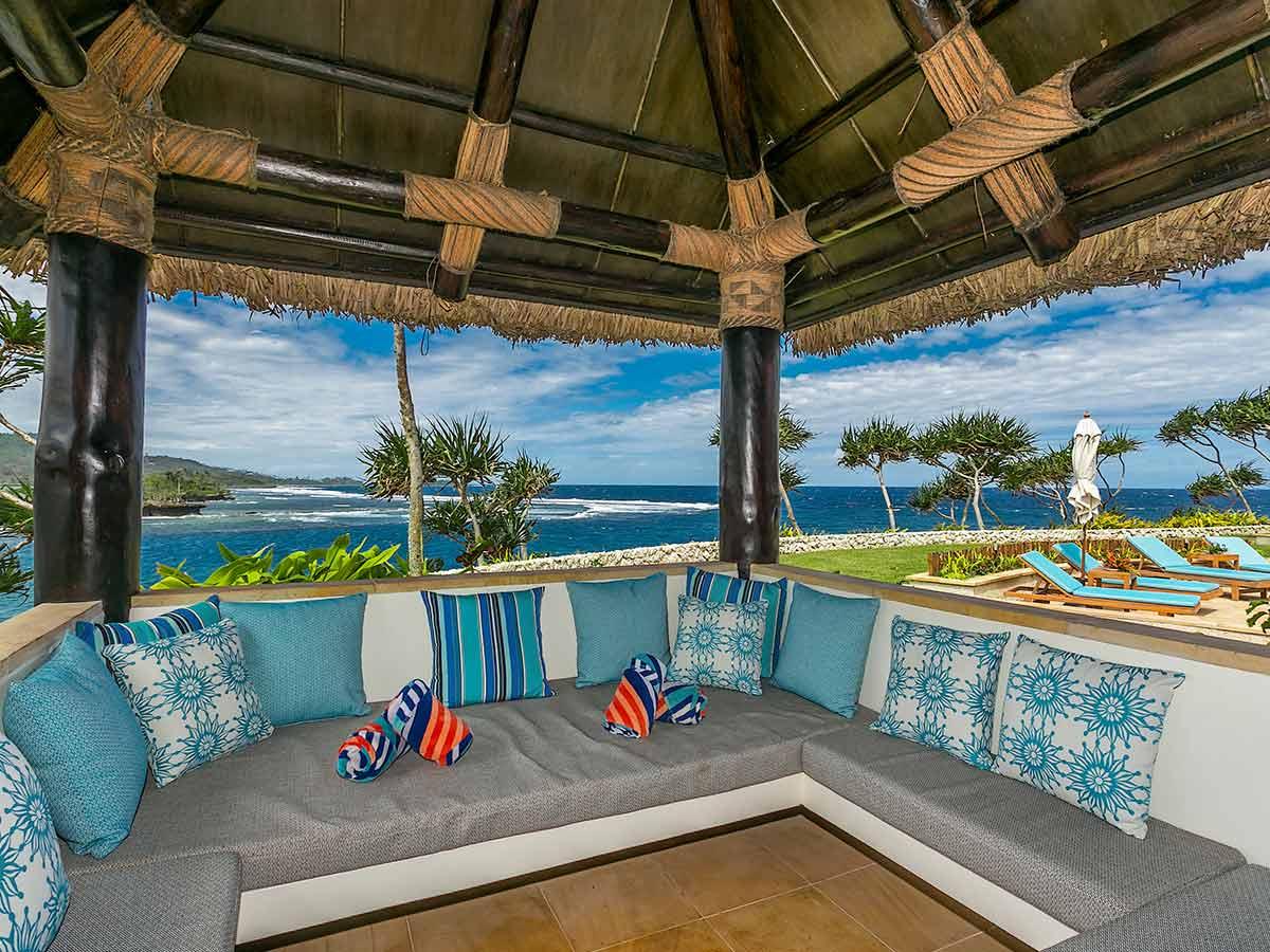 Wavi-Island-Fiji-lounge