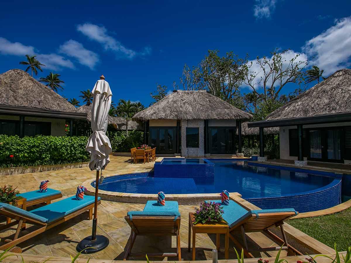 Wavi-Island-Fiji-pool