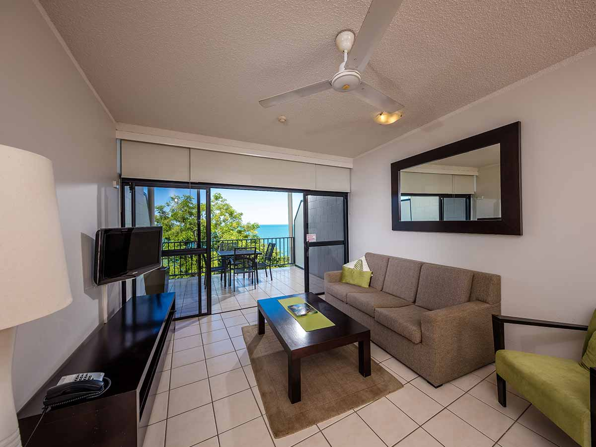 Amaroo-at-Trinity-outlook-lounge