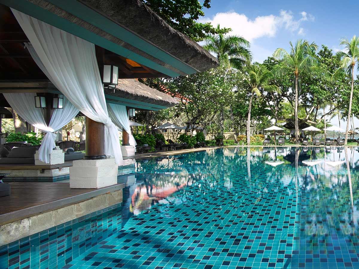 InterContinental-Bali-club-pool-21InterContinental-Bali-club-pool-2