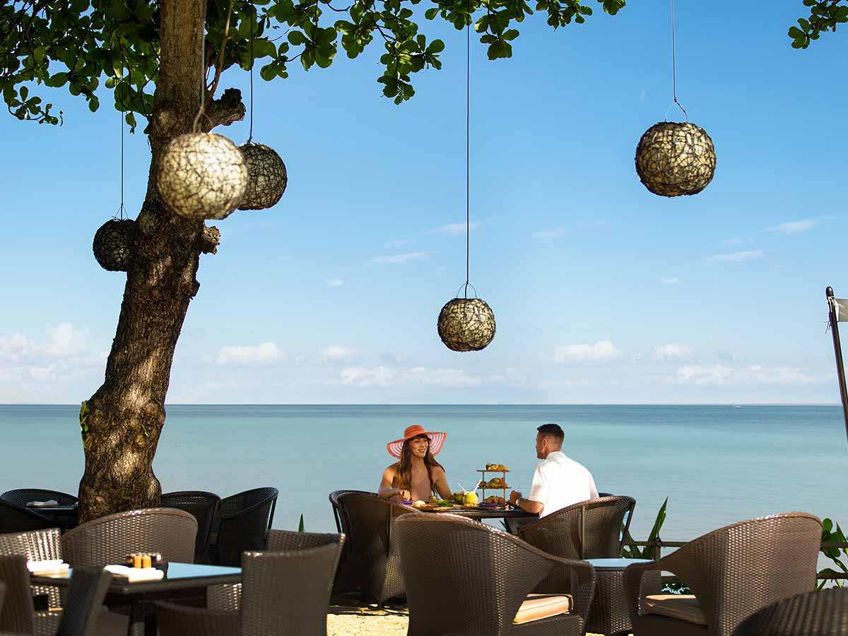 InterContinental-Bali-sunset-beach-bar-grill