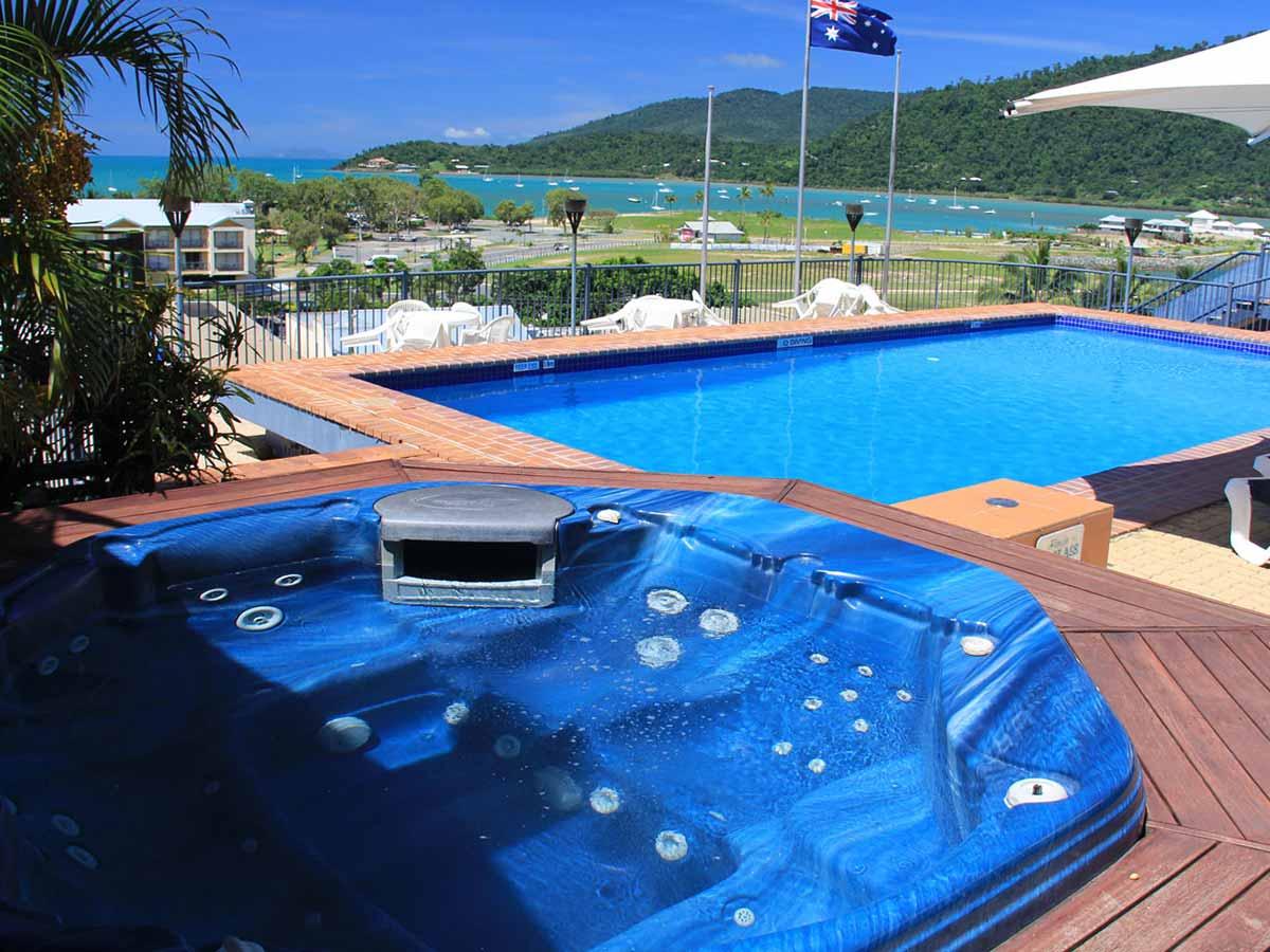 Whitsunday-Terraces-pool-area