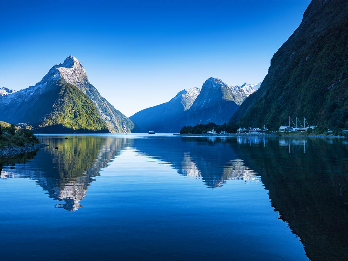 milford sound new zealand gallery image