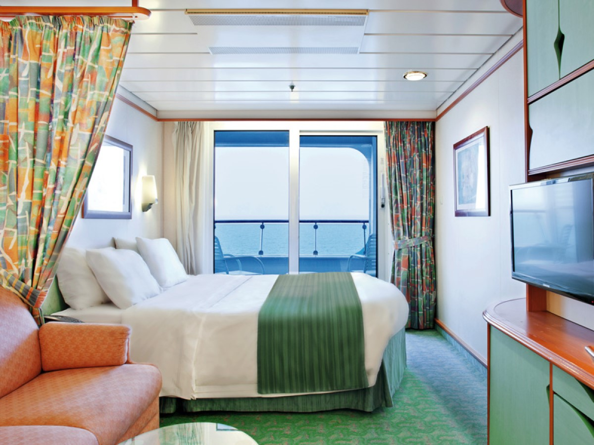 RCCL_Voyager_BalconyStateroom