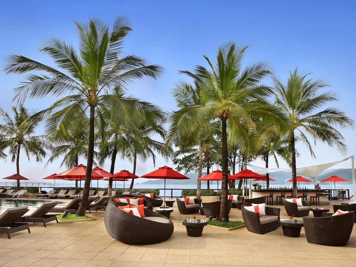 Amari-Phuket-pool-bar