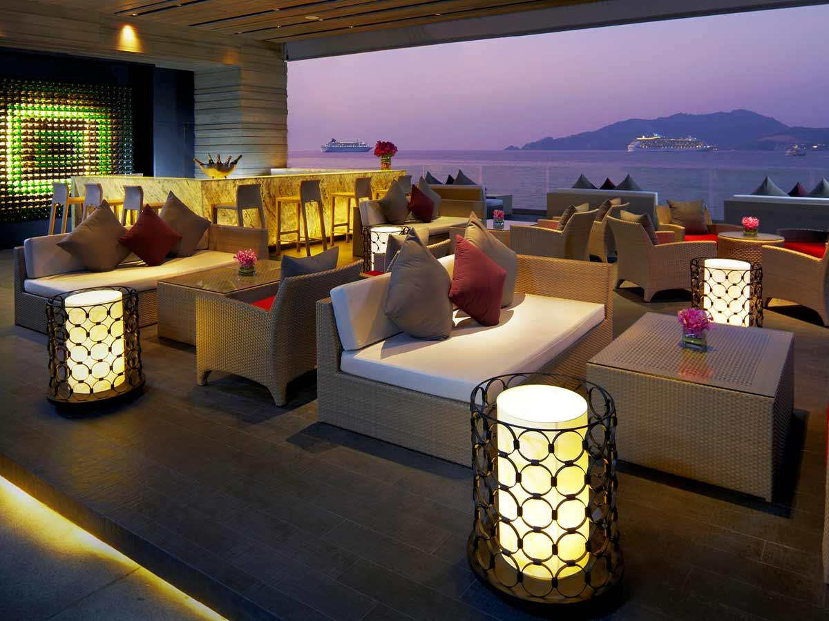 Amari-Phuket-bar