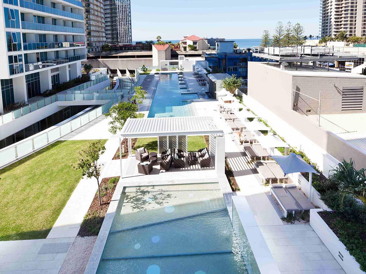 Hilton-Surfers-Paradise-pool